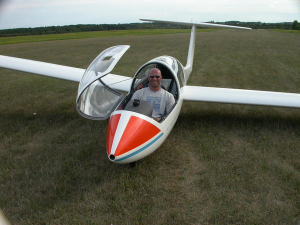 Mark Nosic completes first solo ... at Air Sailing